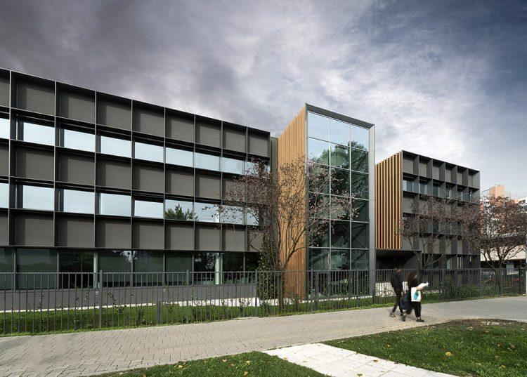 L'esterno dei nuovi uffici Progetto CMR